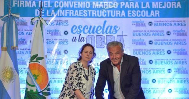 """Claudio Rossi firmó la inclusión de Rojas en el programa provincial """"Escuelas a la Obra"""""""
